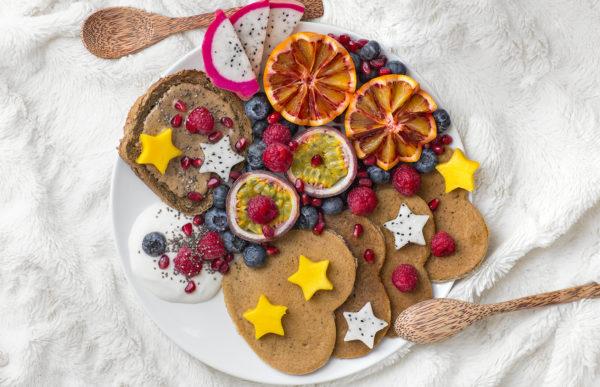 Pancakes vegan à la banane (légers et sans sucre)