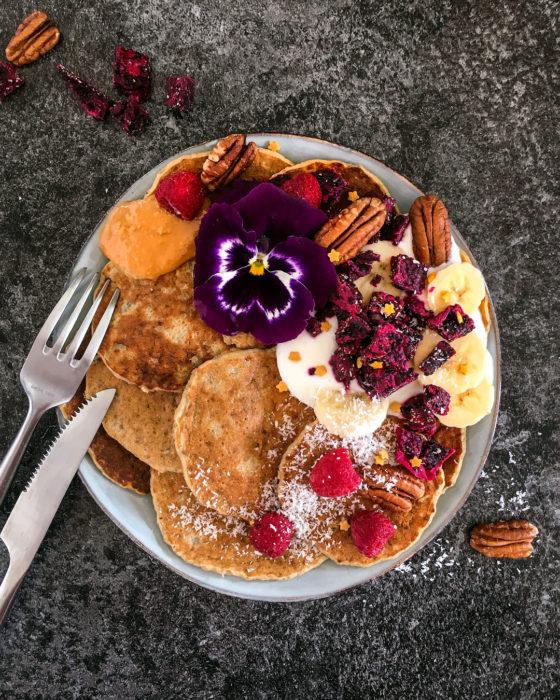 Pancakes moelleux et légers au fromage blanc - Elina Kostryukova
